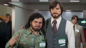 "Steve Jobs y Steve Wozniak como aparecen en la película ""Jobs"""
